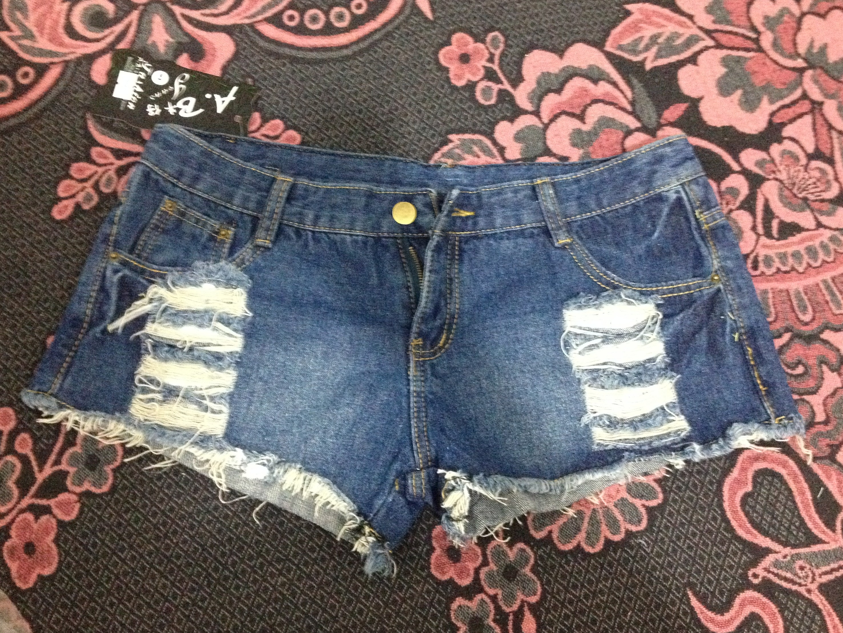 1 Look 3 sapatos com Short jeans destroyed TomTop