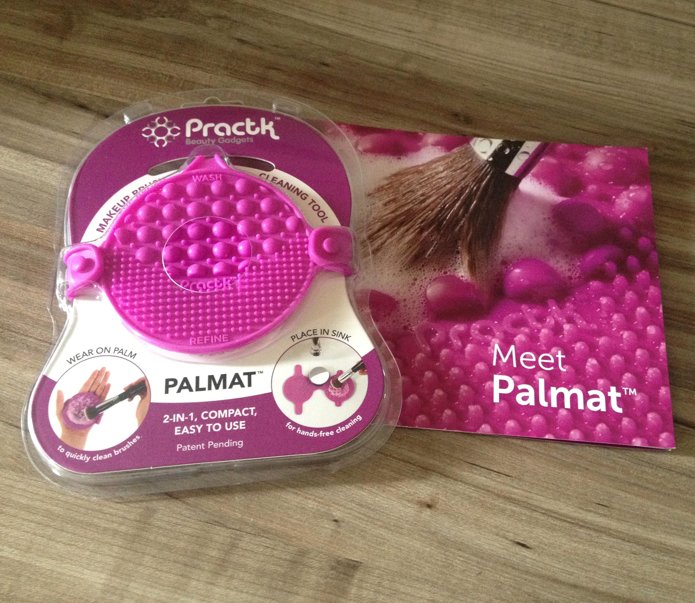 Pratctk Palmat | Makeup brush cleaning tool