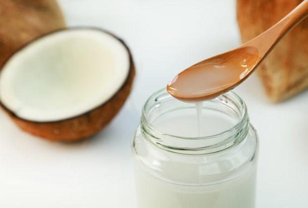 Você sabia? Pode fazer óleo de coco em casa