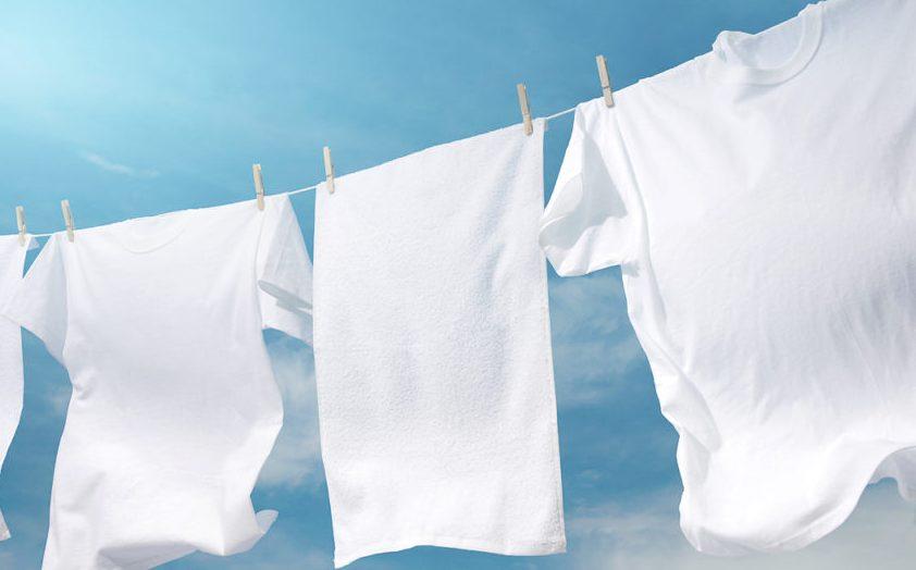 Você sabia? Como deixar as roupas mais brancas