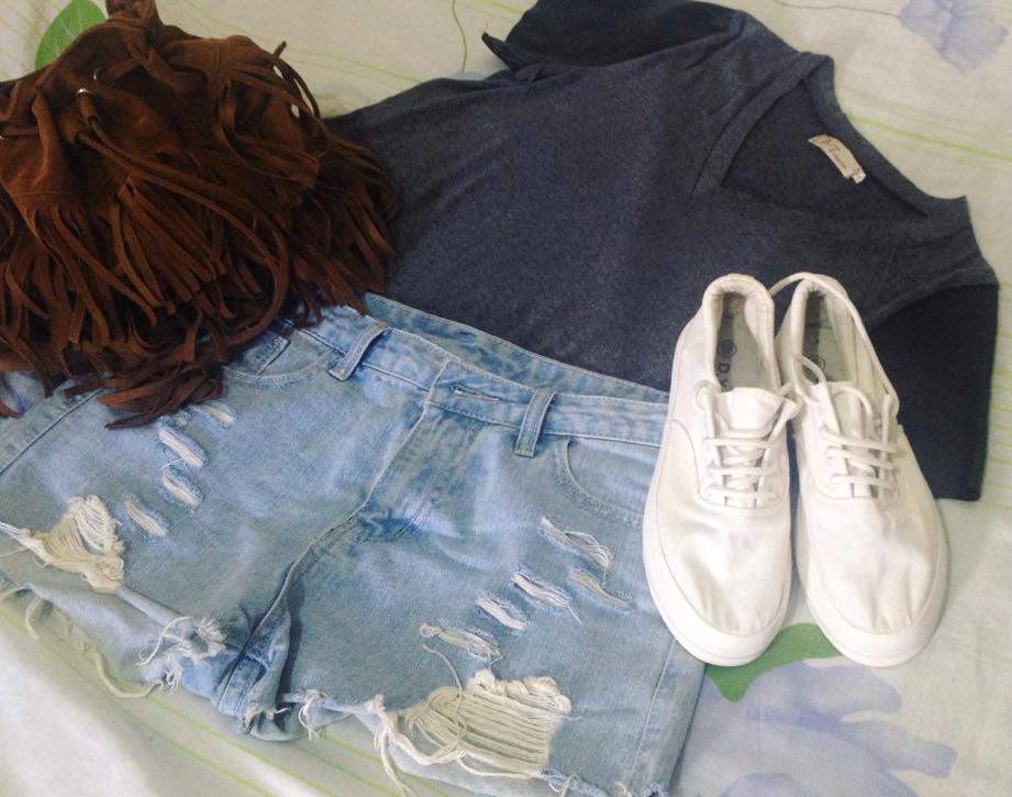 Look do dia com Jeans e Tênis