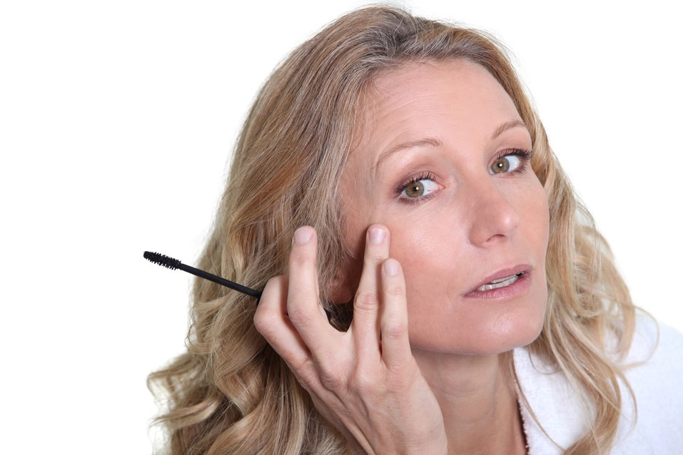Você sabia? Compressas e make ajudam a disfarçar olhos inchados | Netfarma