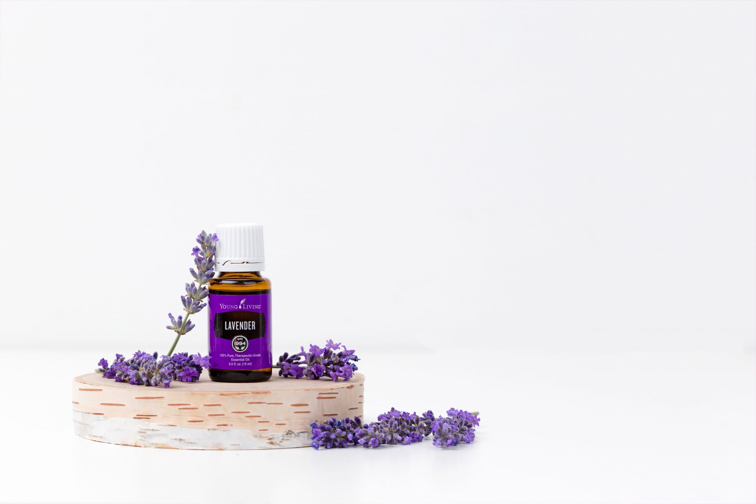Desfrute dos óleos essenciais como perfume funcional