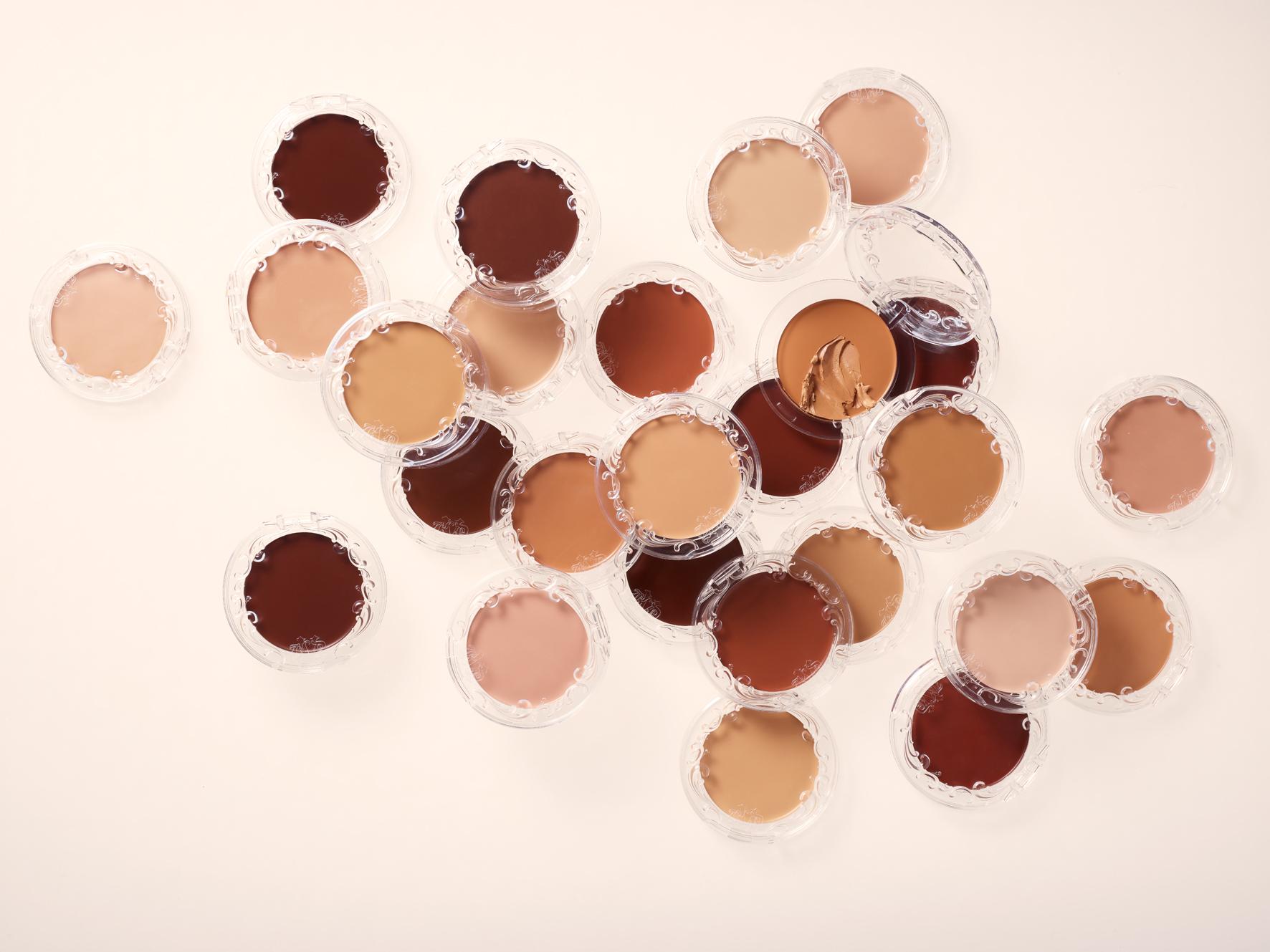 KVD Beauty lança base mate para peles secas